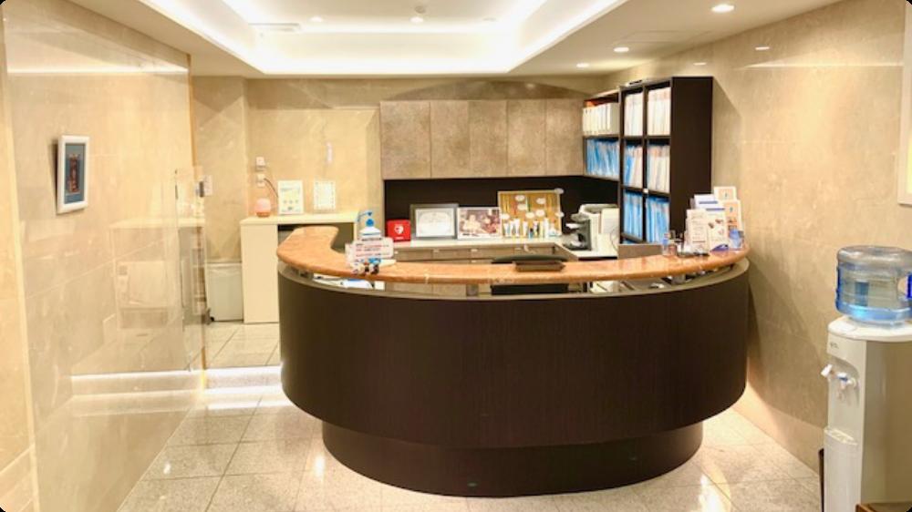 銀座デンタルケアークリニック 待合室